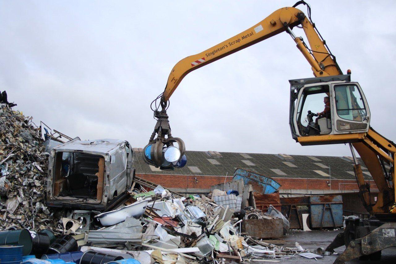 Scrap metal crane